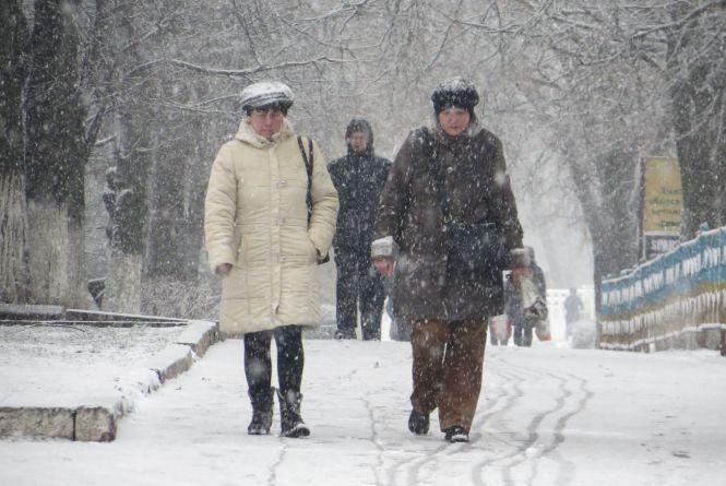 Хмельницький засипало снігом (ФОТО)