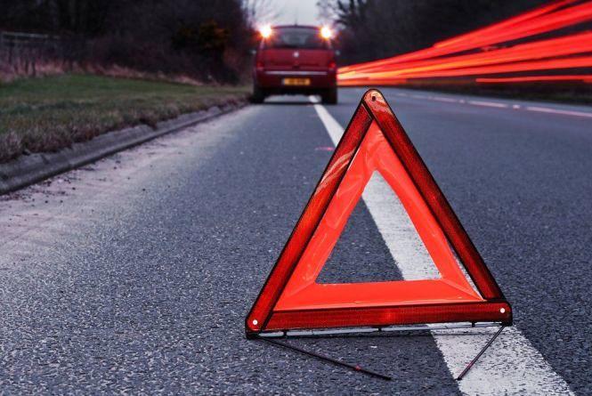 У Волочиському районі вантажівка збила 30-річну жінку