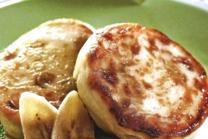 Смачний і швидкий сніданок: як приготувати бананові сирники