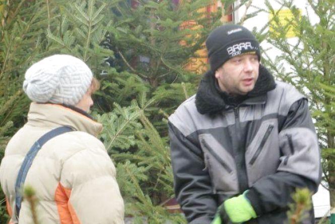 """Ялинки на мільйон: лісники Хмельниччини розповіли скільки заробили від """"новорічних"""" продаж"""