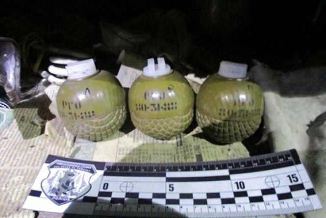 Житель Хмельниччини може сісти на 5 років за зберігання гранат