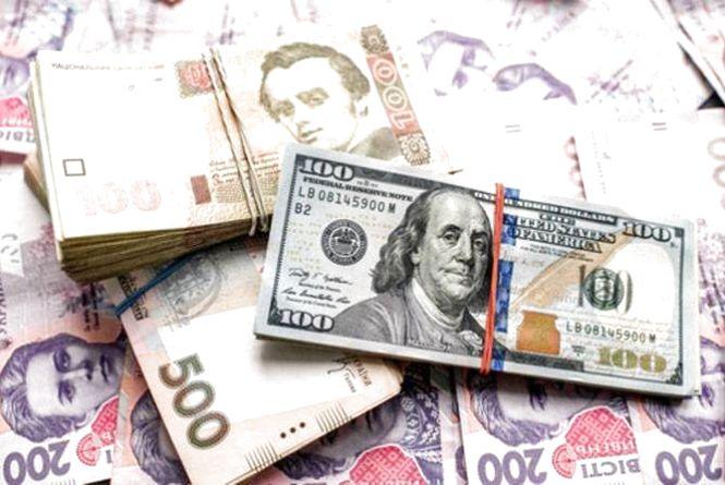 Долар і євро знову подорожчали - курс валют на 12 січня