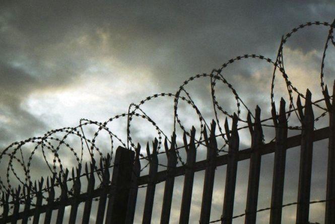 Били ножем і сокирою: довічне ув'язнення отримали чоловіки, які вбили подружжя на Кам'янеччині