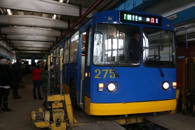 "У Хмельницькому на маршрут вийде ще один ""оновлений"" тролейбус"