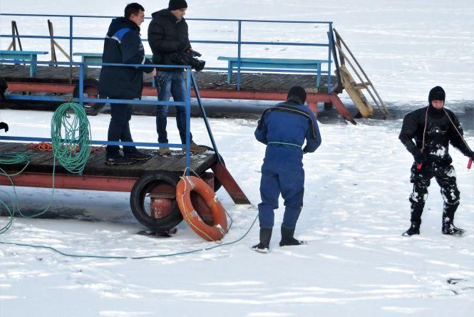 На Водохреще хмельничан на лід не пустять. У річку стрибатимуть з пірсу