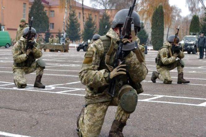 Хмельницький допоможе військовим на 3,5 мільйони гривень