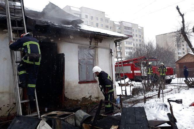 Фатальний перекур: у Хмельницькому знайшли тіло 65-річного чоловіка