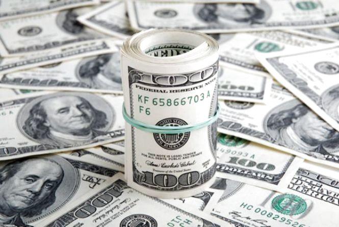 Долар подешевшав: курс НБУ на 24 січня