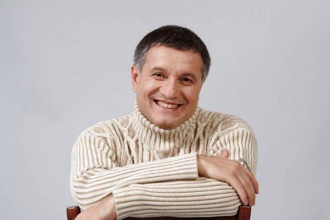 У Хмельницький приїде Арсен Аваков. Вручатиме квартири і техніку рятувальникам