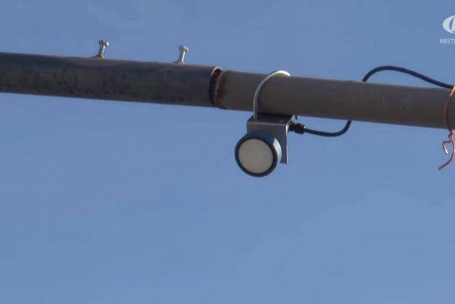 """Світлофор """"на вимогу"""" для водіїв з'явився у Хмельницькому"""