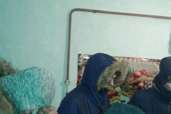 Поки мама на заробітках:  на Теофіпольщині неповнолітній організував притон у своєму будинку