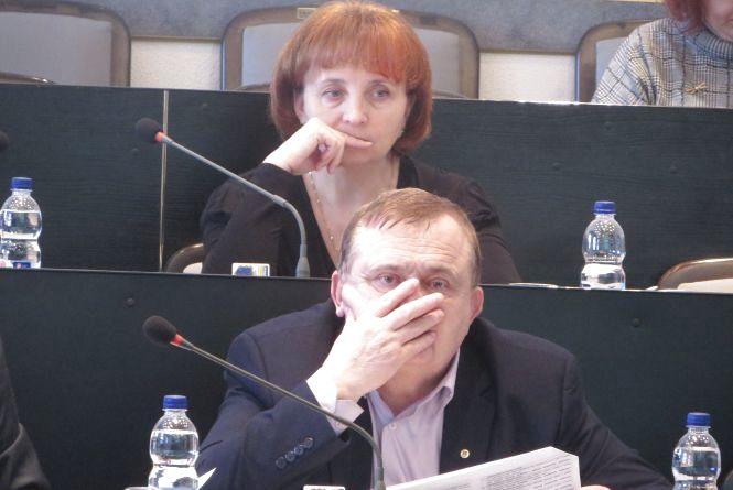 Сесія у GIFках: чим займаються хмельницькі депутати