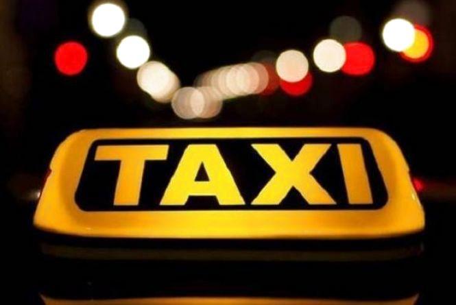 Таксиста з Хмельницького, який організував бордель, посадили під домашній арешт