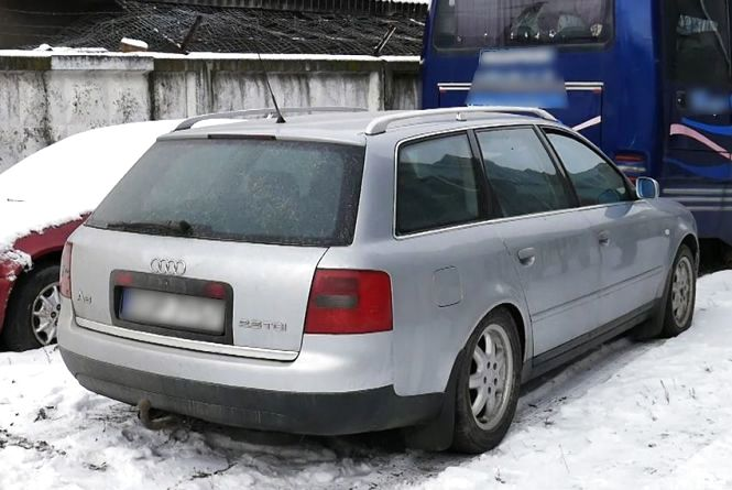 """Попросив про тест-драйв і втік: вінничанин вкрав """"Audi"""" у Красилові"""