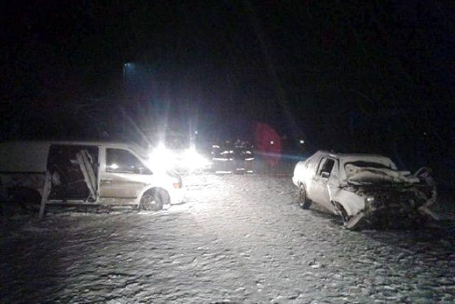 Виїхав на зустрічну: на Хмельниччині в ДТП постраждало 8 людей