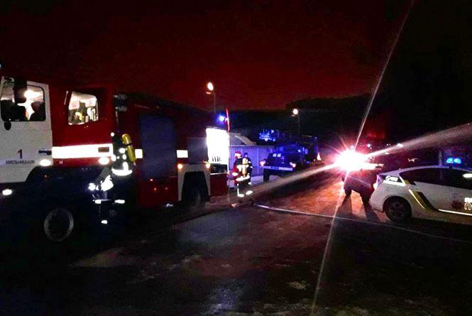 """Пожежу в готелі """"Імперія"""" гасили 12 рятувальників на 5 машинах"""