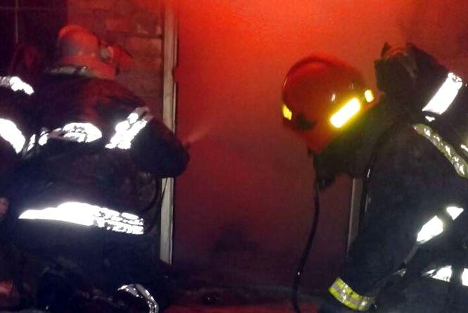 Фатальний недопалок: у Шепетівці 35-річний чоловік згорів у власному будинку