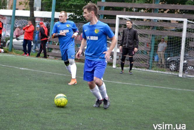 Міні-футбольна ВСІМ Бізнес-ліга: вилучення, драми і перша серія пенальті