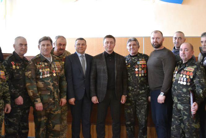 Точка зору: У Хмельницькому та Волочиському районах вшанували учасників бойових дій на території інших держав