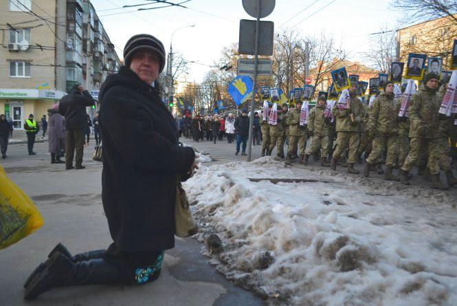 Близько тисячі хмельничан вийшли на Марш Героїв (ФОТО/ВІДЕО)