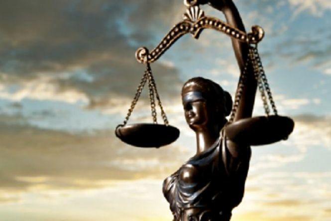 Згоріле авто і двоє постраждалих: Ізяславський суд виніс вирок винуватцю п'яного ДТП