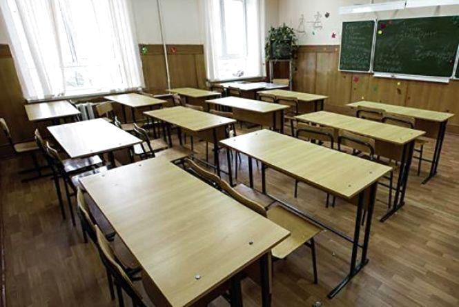 Всі учні хмельницьких шкіл знову сядуть за парти уже в понеділок, 26 лютого