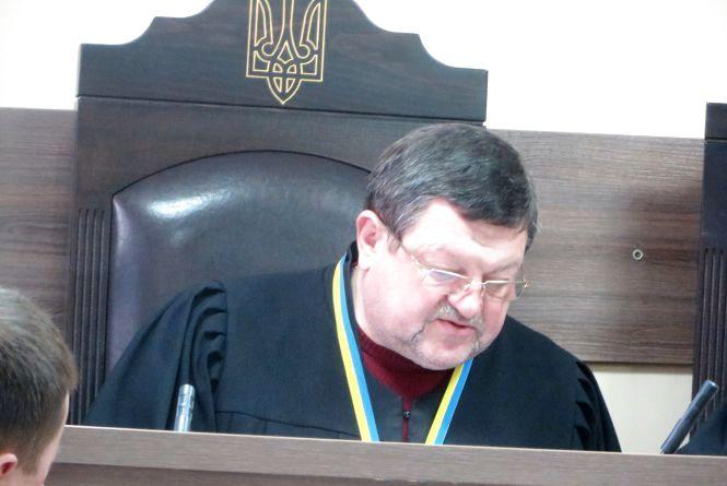 Суд над викладачем ХНУ за смертельну ДТП: через зниклі матеріали затягується розгляд