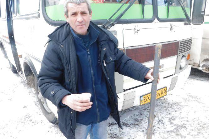 «Зламав лише одну лопату», - водії автобусів про ситуацію на трасах