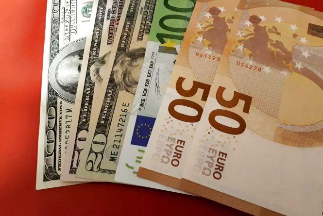 Іноземна валюта втратила ще кілька позицій: курс НБУ на 2 березня