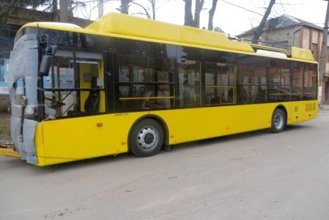 На вулиці Хмельницького виїдуть сім новеньких тролейбусів