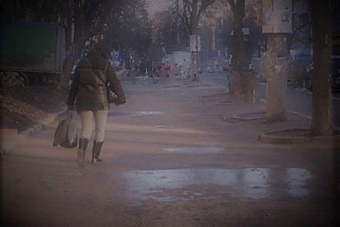 Злодії не відпочивають: за вихідні двоє хмельничанок стали жертвами вуличних грабіжників