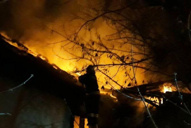 Через необережність: пожежа серйозно пошкодила будівлю у Кам'янці-Подільському