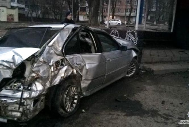 Хроніка ДТП у Хмельницькому: чоловіка на «BMW» двічі за ніч оформили за п'яне водіння