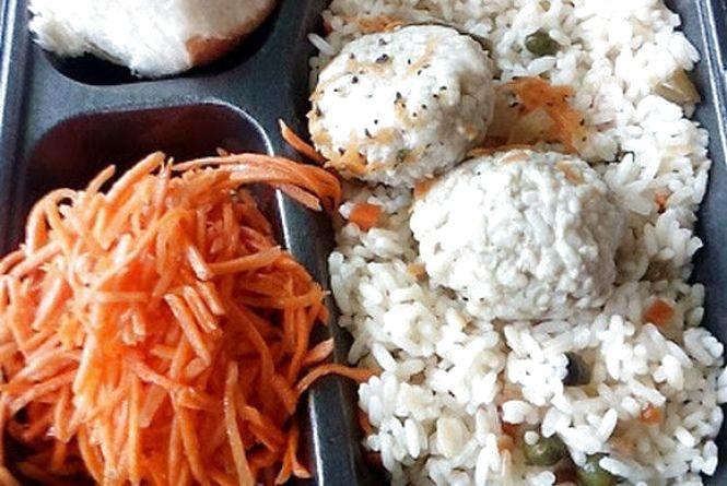"""Перевіряємо хмельницькі їдальні: як годують в кафе """"Булка"""" на Соборній"""