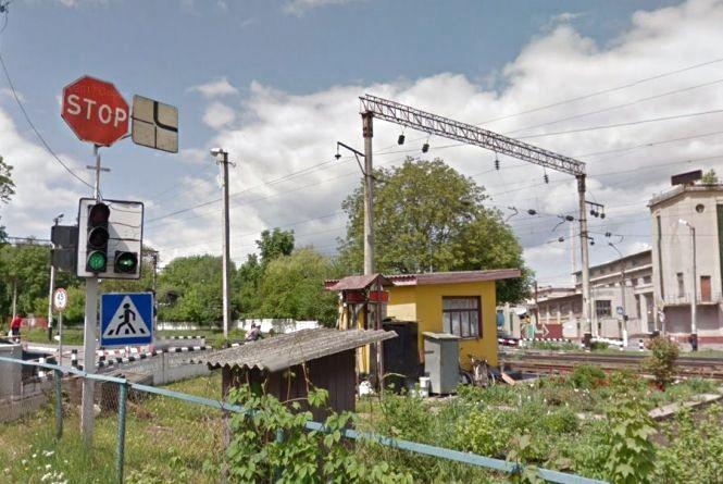 Через ремонт перекриють  залізничний переїзд по Франка