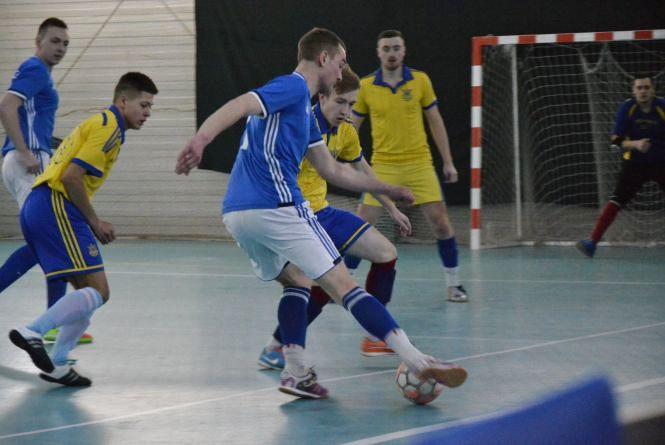 Визначилися усі чемпіони і призери чемпіонату Хмельницького з футзалу