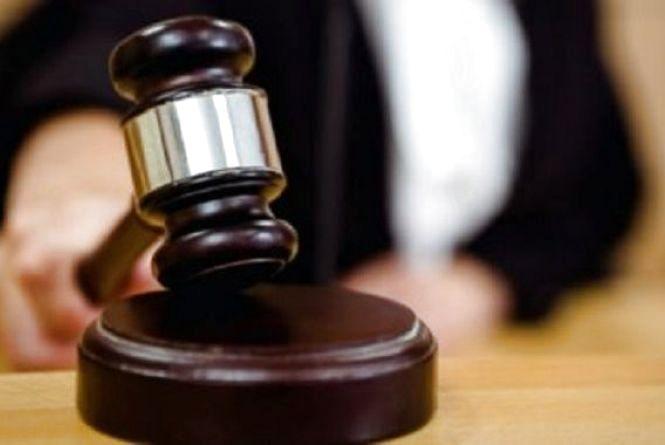 Суд призначив покарання мешканцю Ярмолинеччини,  який обікрав свого сусіда