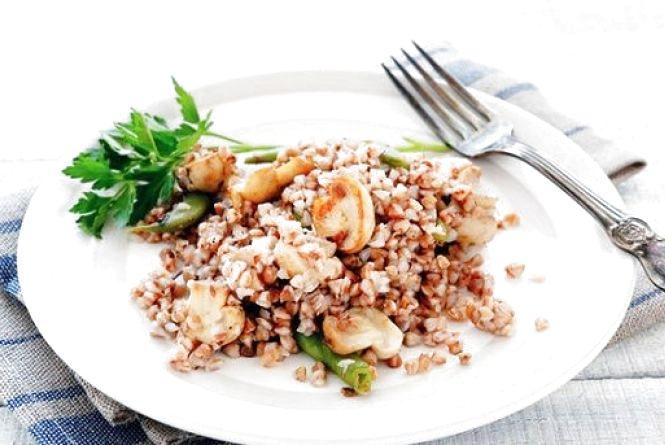 Пісний сніданок: готуємо гречку з грибами