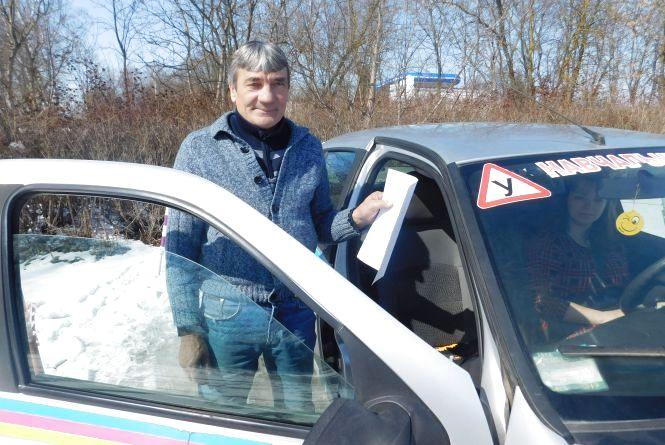 Чек-лист для здачі на права: що про нововведення кажуть учні хмельницьких автошкіл