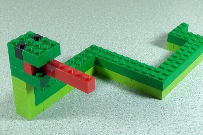 Хмельницькі першачки отримають набори LEGO