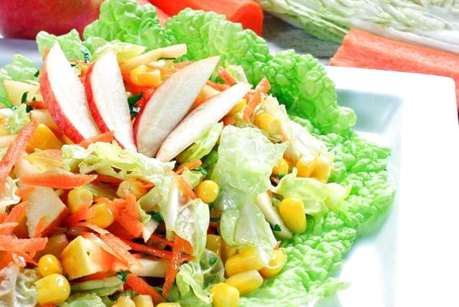 Пісний сніданок: готуємо салат з пекінською капустою