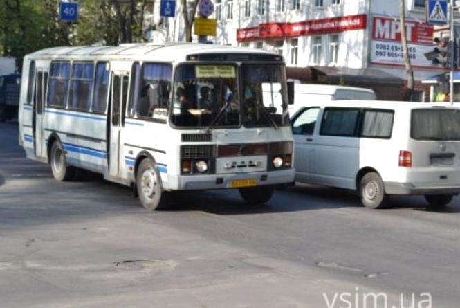 У поминальну неділю в Хмельницькому пустять додатковий транспорт