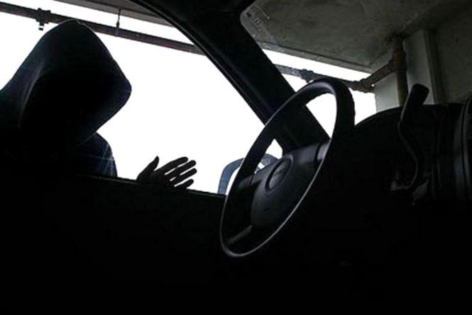 За добу у Хмельницькому вкрали дві машини. Злочинців шукають