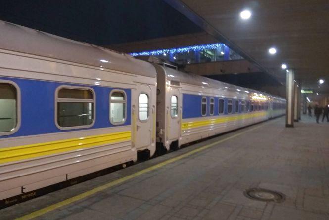 Через ремонт колій на два тижні змінять розклад руху потяги з Хмельницького до Одеси