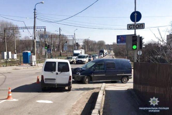 Хроніка ДТП у Хмельницькому: школяр під колесами авто і водії-втікачі