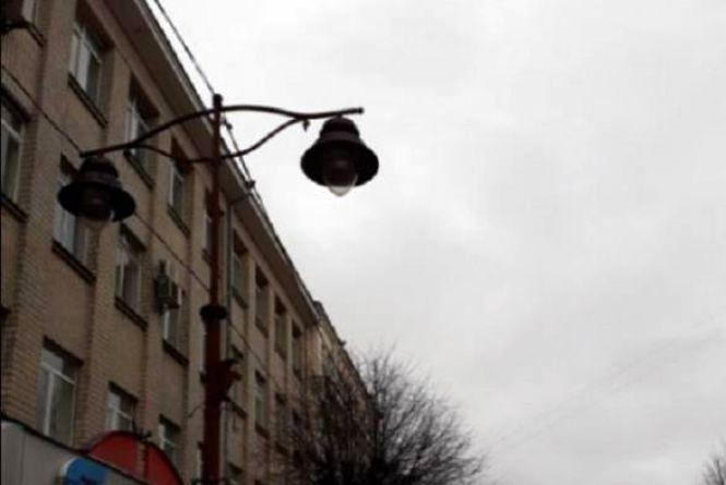 12 квітня мешканці двох вулиць Хмельницького залишаться без світла