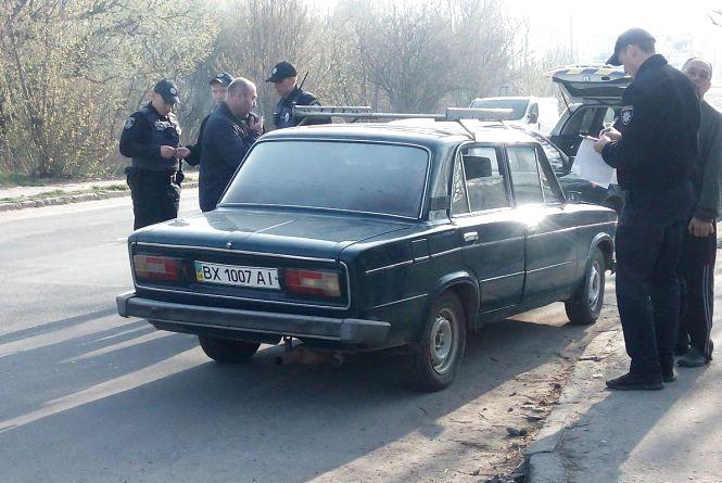 Покинув авто і дружину: п'яний водій пішки тікав від хмельницьких патрульних