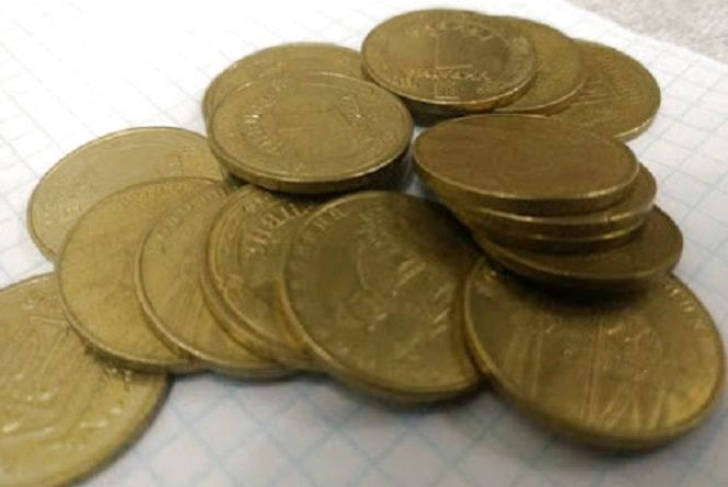 Долар трішки подешевшав - курс НБУ на 17 квітня