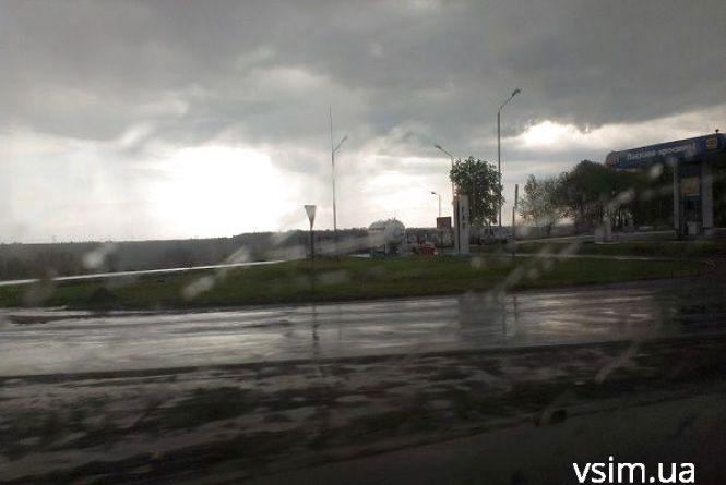Дощ та  +6 градусів у Хмельницькому. Синоптики розповіли, коли впаде спека