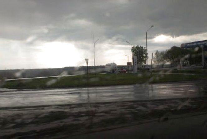 Дощ та прохолода: погода у Хмельницькому у четвер, 17 травня